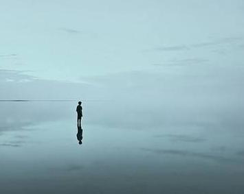 [感到孤独想哭怎么办]一看就想哭的孤独图片