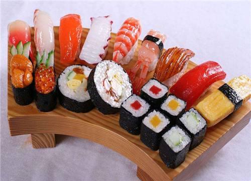 开寿司店的利润有多少钱_开寿司店的利润有多少